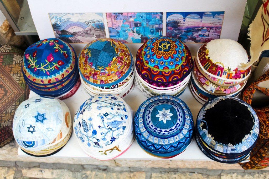 souvenir container